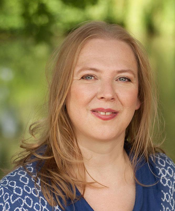 Stephanie-Ristig-Bresser-Autorin-Make-World-Wonder